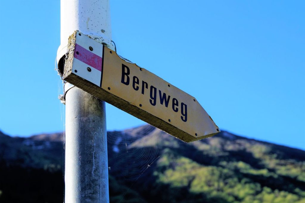 Natürlich gibt es hier nicht einfach nur Wege - hier gibt es Bergwege